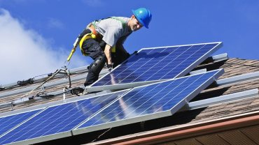 710284-solar-power-install-thinkstock